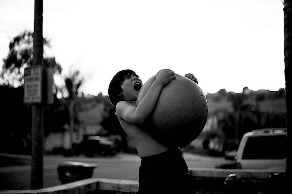 ball-hug-scream